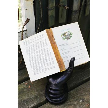 Read to the Hand Book Holder