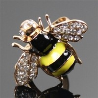 Adjustable bee ring