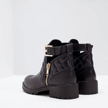 Padded leather bootie