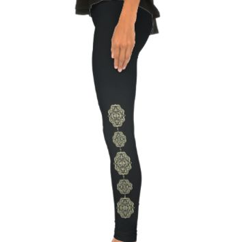 Quatrefoil Damask (Yellow) Leggings