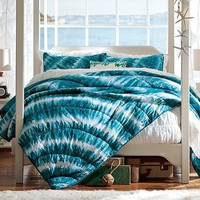Chatham Tie-Dye Bedroom