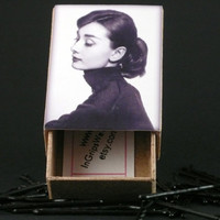 Audrey Hepburn Bobby Pins Retro Style Box with Hair Pins