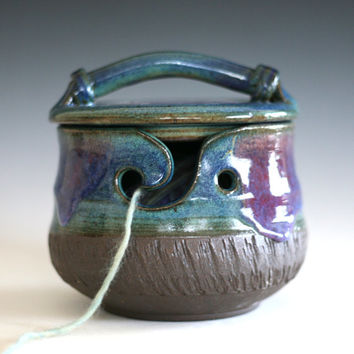 Kitty-Proof Yarn Bowl, cat yarn bowl, ceramic yarn bowl, knitting bowl, yarn bowl, yarn holder, As featured in SIMPLY KNITTING MAGAZINE