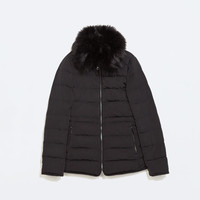 Fitted down jacket with furry collar