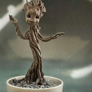 Marvel Little Groot Quarter Scale Figure by Hot Toys