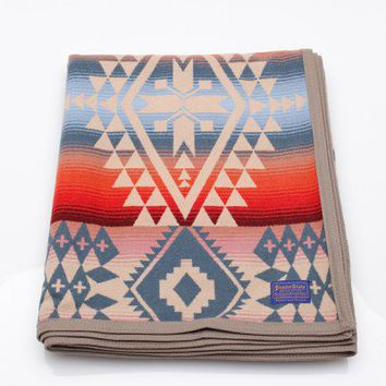 Pendleton / Canyonlands Robe Blanket