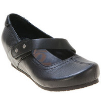 OTBT Women&#x27;s Salem Mary Jane Wedge Shoe