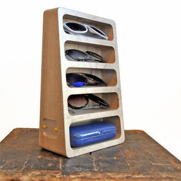5-Pocket Glasses Stand – Bushakan