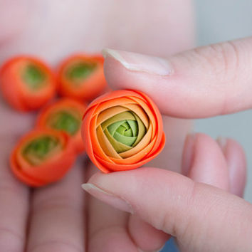Flowers WEDDING FAVORS, rose party favor, flower brooch, flowers magnets, green, orange, baby shower favor,  bridal favors, guest favors