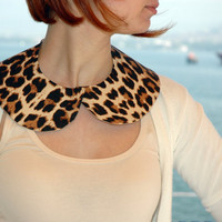 Detachable Brown and Beige Cream Leopard Peter Pan Collar