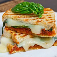 Closet Cooking: Sundried Tomato Pesto Grilled Cheese Sandwich
