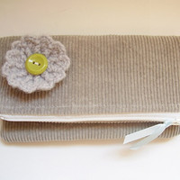 Square zipper pouch, grey corduroy with crochet flower