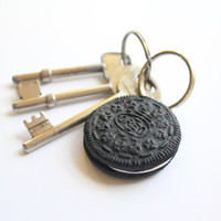 Life-size Classic Oreo Keyring