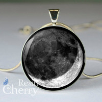 Crescent moon jewelry,crescent pendant charms,moon necklace,moon charm- T0668CP