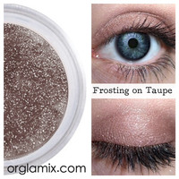 Frosting on Taupe Eyeshadow