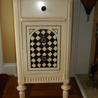 French Shabby Handpainted Vintage/Antique End Table/Nightstand