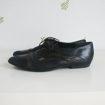 vintage 90s womens shoes / size 10 / black leather / western / cutouts / contrast stitching / jazz / flats / bluchers / derby