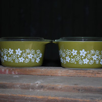 Vintage Pair of One Litre Pyrex Spring by AGlimpseFromthePast
