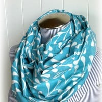 Aquamarine Infinity Scarf Comfortable and by VintageDutchGirl