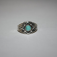 Size 5 Ring Turquoise and Sterling Vintage Ring Size 5 - free ship US