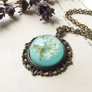 Floral necklace - Queen Anne's lace in mint pastel green - unique Christmas gifts handmade in the UK