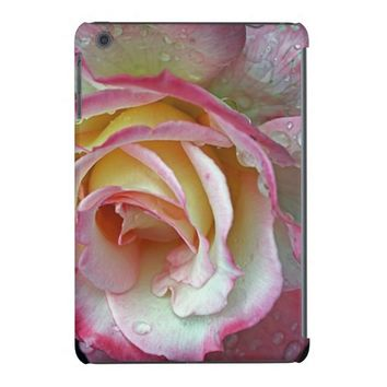 Pink Rose with raindrops iPad Retina Case