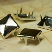 100pcs 12mm Silver Pyramid Stud Metal Studs Item Supplies Leather Chic DIY Punk Rock Goth Jacket Belt Square Bike Spike Street PSS120100