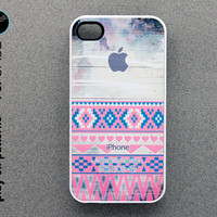 iphone 4 Case - iphone 4 cover - plastic or silicone rubber - aztec geometric print on wood