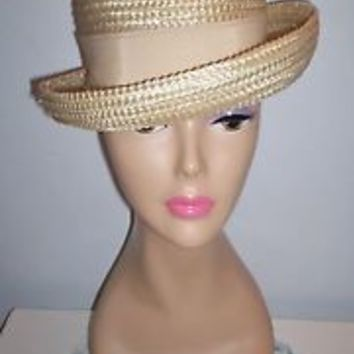 Charming Vintage Women's Beige-Colored Dress Hat Grosgrain Ribbon Band Size 21