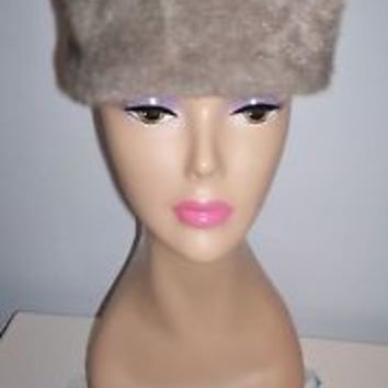 Pretty Vintage Women's Gray Faux Fur Elevated Pillbox-Style Dress Hat Size 22