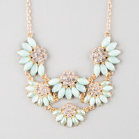 FULL TILT Scalloped Flower Statement Necklace | Necklaces