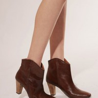 Brown curved bootie [Det8044] - &amp;#36;191 : Pixie Market, Fashion-Super-Market