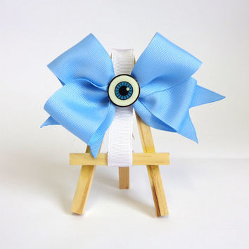 Eyeball Hair Bow!! Cute every day light blue hair bow. This special eyeball bow is perfect for every kind or girl!