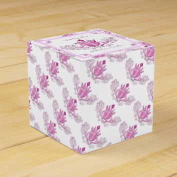 The Claddagh (Pink) Party Favor Box