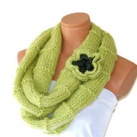 Knitted infinity Scarf. Block Infinity Scarf. Loop Scarf, Circle Scarf, Neck Warmer.Light Green Crochet Infinity