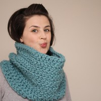 Chunky Crochet Cowl Snood In Mint G.. on Luulla