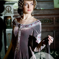 "Exclusive Velvet Embroidered Medieval Dress ""Lady Rowena"""