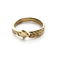 Odette Arrow Ring