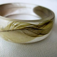 Green Sun Conure parrot feather resin bangle by RosellaResin