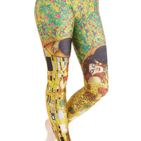 Imaginative Merriment Leggings in Kiss