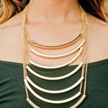 Waterfall Curve Statement Necklace – Gold Soul