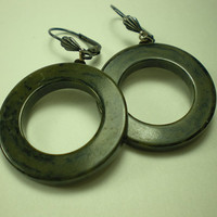 Vintage Bakelite Earrings Creamed Spinach by CapricornOneVintage