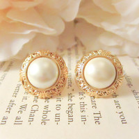 Bridesmaid Earrings,Vintage exquisite gold pearl earrings  ,Vintage Button Earrings, Vintage earrings,clip on , studs, post, spring jewelry