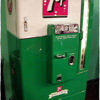 Vendo 110 Restored Soda Machine : 7 UP, Dr Pepper, Pepsi
