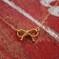 Twisted 14K Gold Bow Necklace Pendant