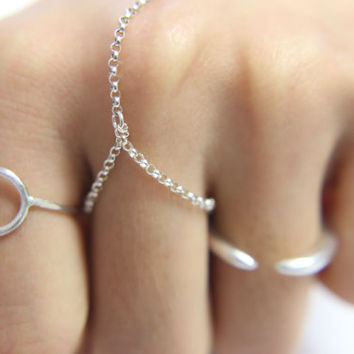 Open Circle Band - Simple Ring in Sterling Silver