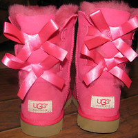 Authentic UGGS GIRLS BAILEY BOW CERISE HOT PINK UGG BOOTS KIDS 4 fits Woman 5-6