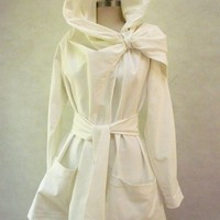 Maria Severyna Creamy White Twill thread Trench by DDreamCloset
