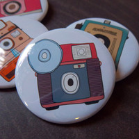 Retro Camera 4 Pack - 2 1/4 Inch Bu.. on Luulla