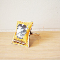 Yellow-black Mafalda ring, adjustable, handsewn,